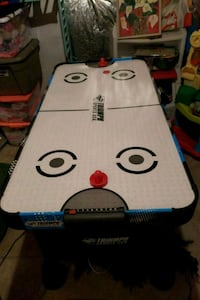 kids air hockey table  North Potomac, 20878