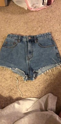 urban outfitters BDG booty shorts size 26 Lockport, 60441