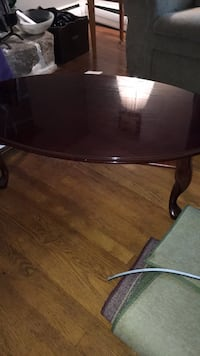 Coffee table $25.00 OBO Ogden, 19061
