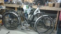 black and gray cruiser bike MONTREAL