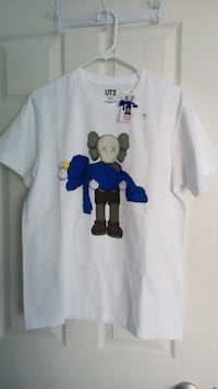 Kaws Uniqlo Summer Collection Medium Mississauga, L5M 0S4