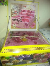pink and white wooden bed frame Alexandria, 22305