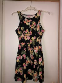 Black and Floral Short Dress Howell, 07731