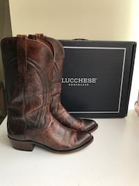 Men's Lucchese Boots - size 8