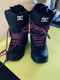Womens DC snowboarding boots