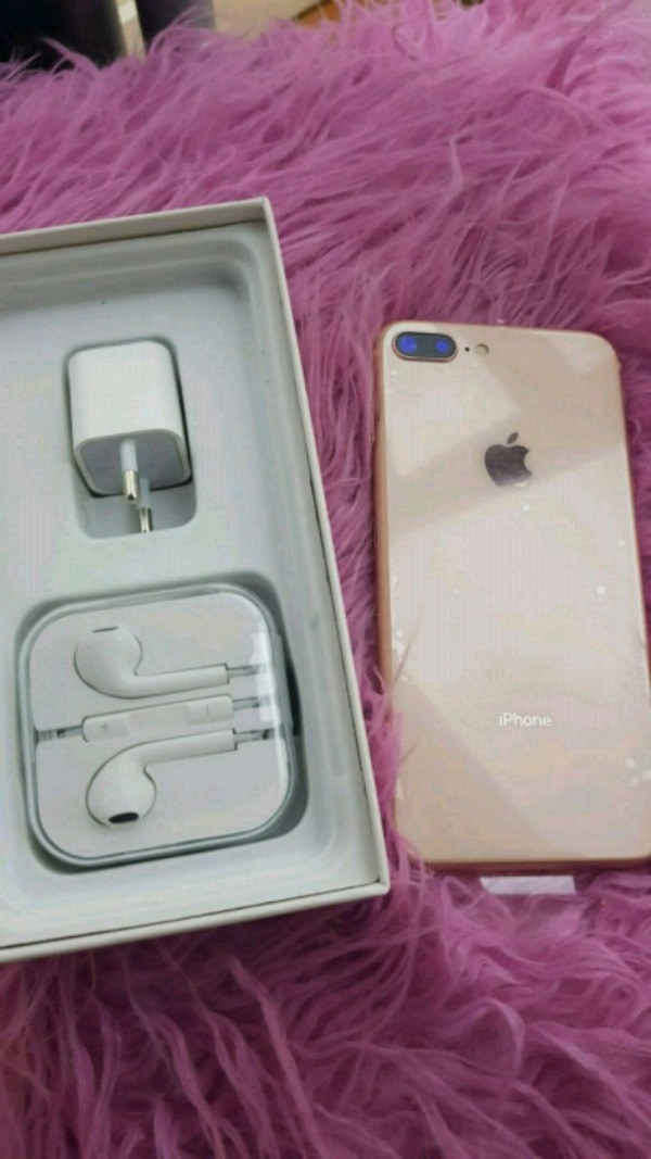 iPhone 8plus con estuche