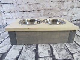 Small Pet Dish in Classic Gray and Natural
