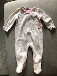 Adorable JUICY COUTURE 12m fleece jumper for baby! Tags still attached. Originally paid 20$ USD  Toronto, M4A 2X4