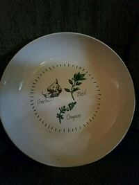 LARGE SALAD BOWL great for the Holidays. Easton, 18045