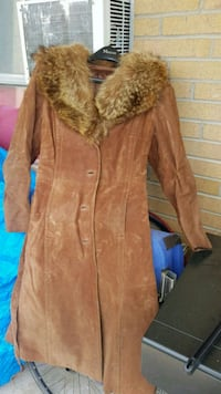 Montreal leather trenchcoat with fur collar London, N6C 5K8