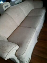 3 cushion chesterfield (light beige) Clairmont, T0H 0W0
