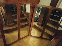 Two Mirror Pannels