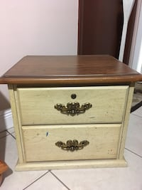 brown wooden 2-drawer nightstand Miami, 33183