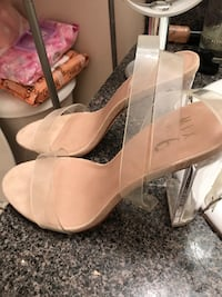 New sandal size 7 from Neiman Marcus of designer  932 mi
