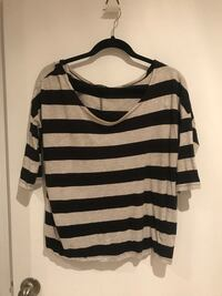 black-and-gray striped scoop-neck elbow-sleeved shirt size L Barrie, L4M 2A2