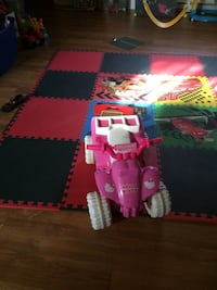 toddler's white and pink Hello Kitty print ride on ATV Terrebonne, J6Y