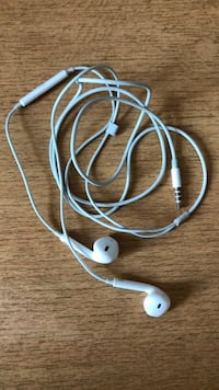 Headphones APPLE Paris, 75002