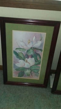 white flower picture with brown wooden frame LaGrange, 30241