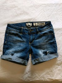 Blue jean shorts size 3 like new  Calgary, T2E 0B4