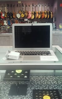 "13"" Macbook Air I-17379 Louisville, 40202"