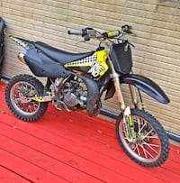 2004 rm 85 top end rebuilt and pro taper handle bars new spark plug starts on first kick stupid fast