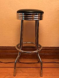 Round black leather top stool w/ chrome legs 32.5 in tall Oakland, 94602