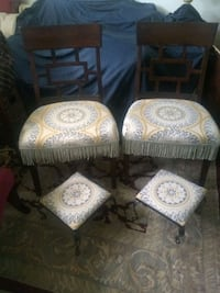 Side chairs/foot stools