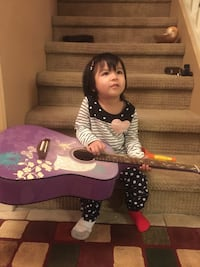 Purple guitar, in great condition Langley, V3A