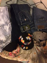 3 pair of true religion jeans mint condition was asking 60 a pair will take 40 paid 300 a pair worn maybe 1 time Bangor, 04401