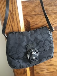 Coach purse Kelowna, V1Y 6P6