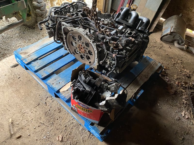 2009 SUBARU OUTBACK H6 BOXER ENGINE. BAD HEADS. 1