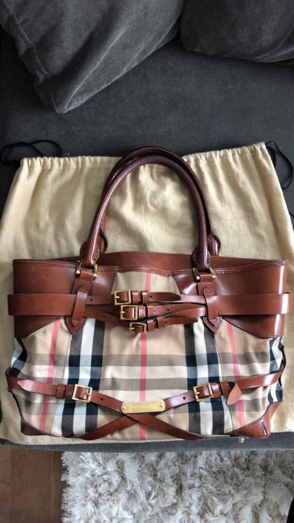 f8d8c390f1dfec Used Burberry Bridle Tote Bag for sale in Toronto - letgo
