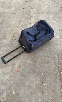 Luggage duffle bag with wheels