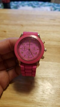 round pink analog watch with pink strap Bunker Hill, 25413