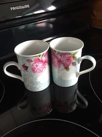 2 drinking coffee mugs Toronto, M4G 4K3