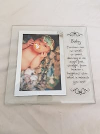 Baby glass photo frame with quotation Cambridge, N1R 5S6