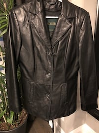 Ladies size small leather jacket  Mississauga, L5R