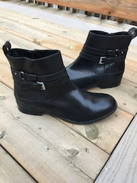 150$-CLARKES womens booties size 9/9.5 like NEW! London, N5W 1S3