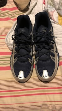 Come get them nike shocks brand new wore them twice 11 1/2 asking 50 or best  Newark, 19713