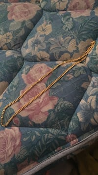 gold-colored chain link necklace Winnipeg, R2J 1B9