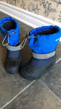 Snow boot like new size 10