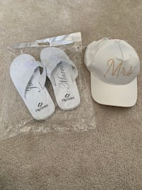 """Mrs"" cap and ""Just Married"" flip flops"