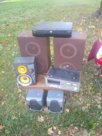 speakers vcr and vintage stereo component