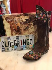 Old gringo custom floral razz style boot never worn Pearl, 39208