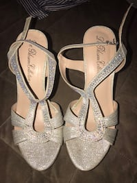 Size 7 silver high heels