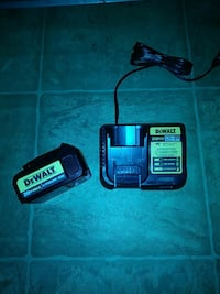 DeWalt 20 volt Max lithium ion extra battery and c
