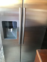 Brand new Samsung refrigerator for sale, never been used!!! There's scratches on the side from moving it but once installed will never notice! Asking $850 OBO Montgomery, 45242