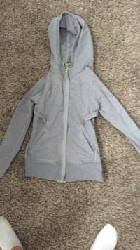 Lululemon Sweater  St Albert, T8N 7P5