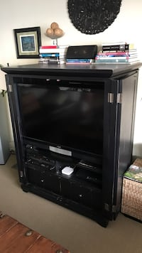 "Media Cabinet and Vizio 43"" flat screen TV Malibu, 90265"