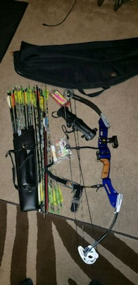 black and blue compound bow Windsor, 95492